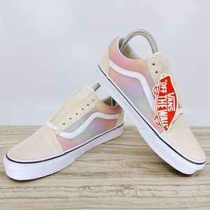 VANS OLD SKOOL (WOMENS 7.5 | MENS 6.0)